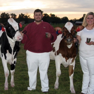 AG students with prize winning cows
